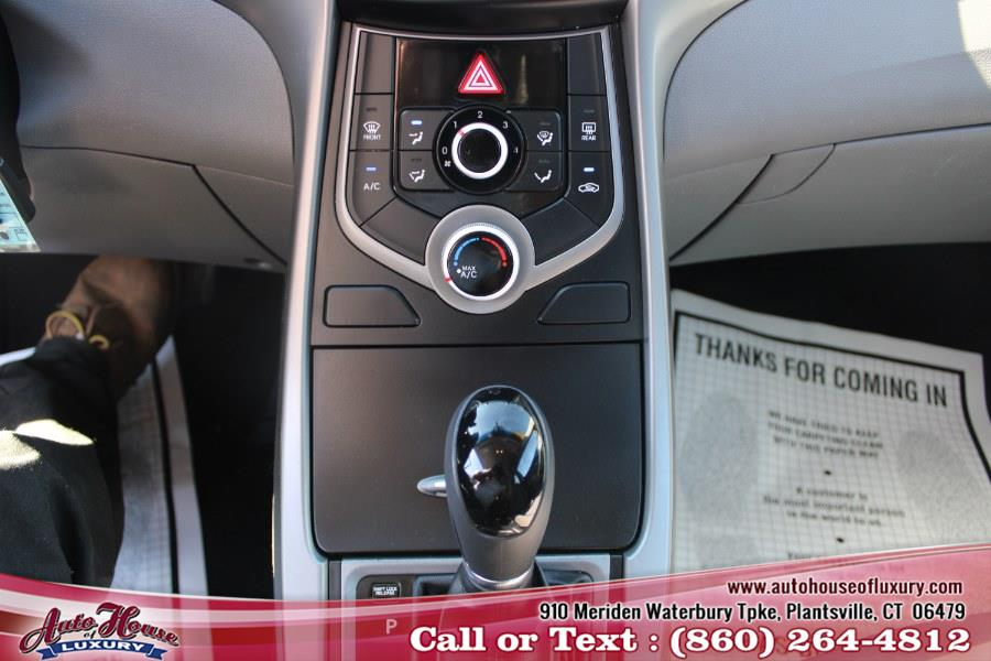 Used Hyundai Elantra 4dr Sdn Auto SE (Alabama Plant) 2016 | Auto House of Luxury. Plantsville, Connecticut