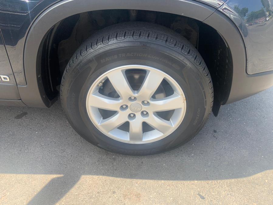 Used Kia Sorento AWD 4dr I4-GDI LX 2013 | Central Auto Sales & Service. New Britain, Connecticut