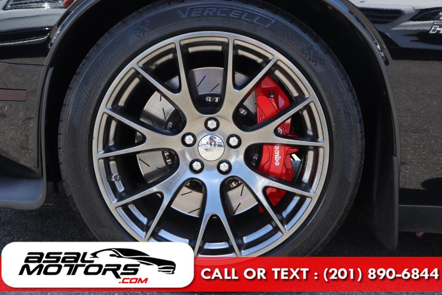 Used Dodge Challenger 2dr Cpe SRT 392 2015   Asal Motors. East Rutherford, New Jersey