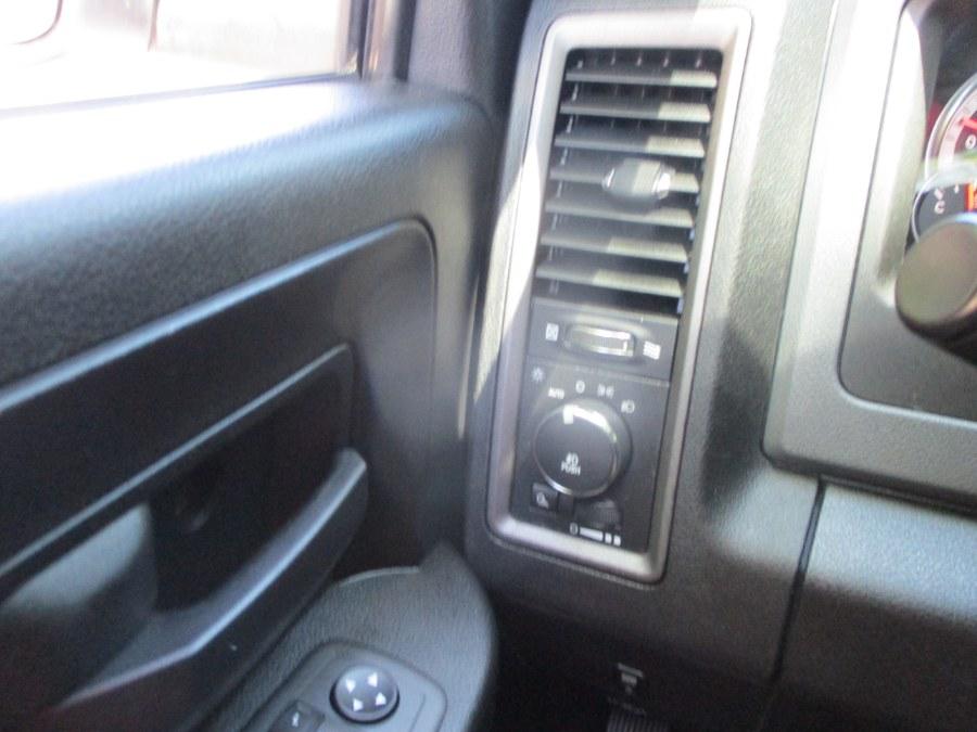 "Used Ram 1500 4WD Crew Cab 140.5"" Express 2013 | South Shore Auto Brokers & Sales. Massapequa, New York"