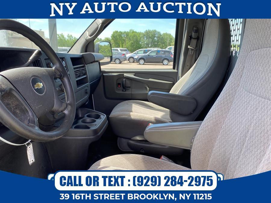 "Used Chevrolet Express Cargo Van RWD 1500 135"" 2014   NY Auto Auction. Brooklyn, New York"