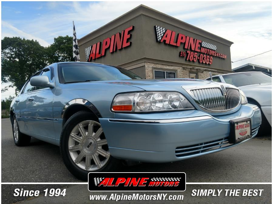 Used Lincoln Town Car 4dr Sdn Signature Limited 2006   Alpine Motors Inc. Wantagh, New York
