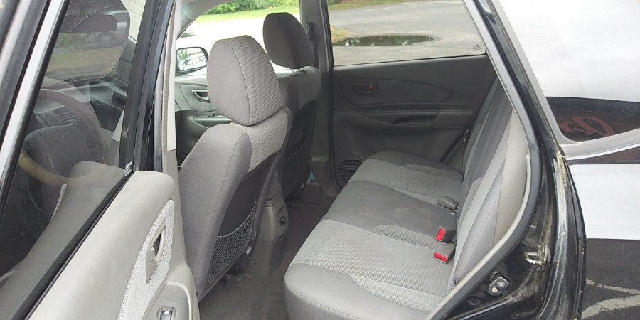 Used Hyundai Tucson 4dr GL FWD 2.0L I4 Auto 2006 | Payless Auto Sale. South Hadley, Massachusetts