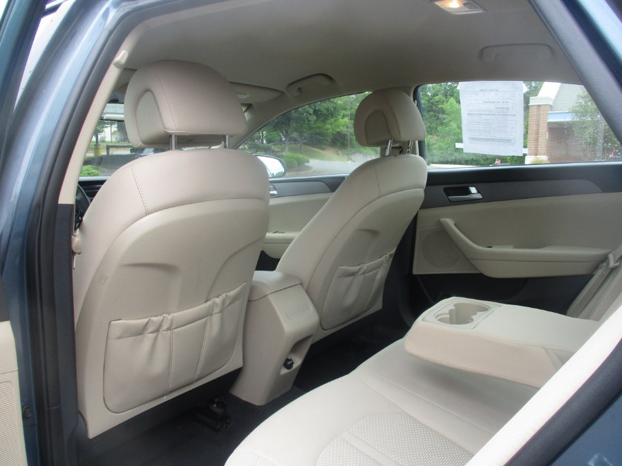 Used Hyundai Sonata 4dr Sdn 2.4L SE 2016 | Universal Motors LLC. New Britain, Connecticut