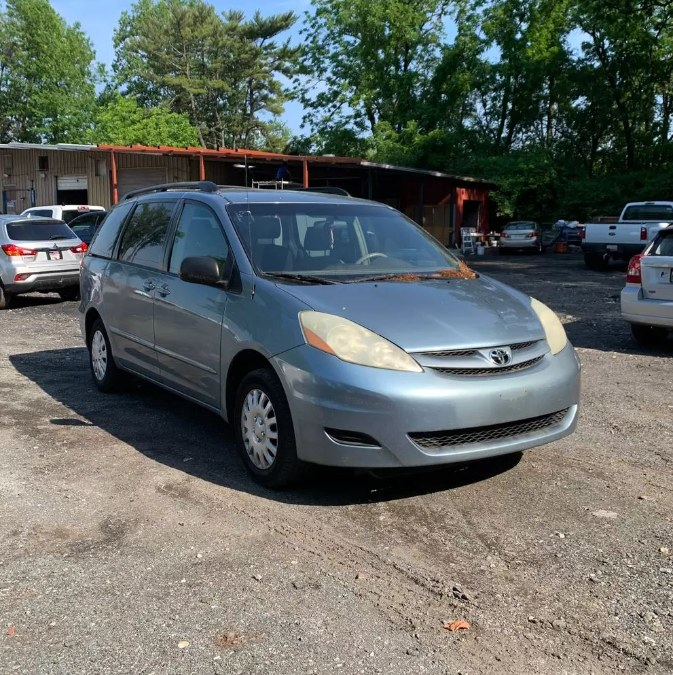 Used Toyota Sienna 5dr CE FWD 7-Passenger 2006 | Payless Auto Sale. South Hadley, Massachusetts
