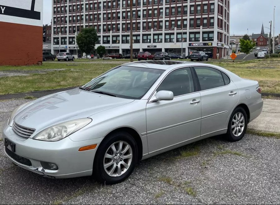 Used 2002 Lexus ES 300 in South Hadley, Massachusetts | Payless Auto Sale. South Hadley, Massachusetts