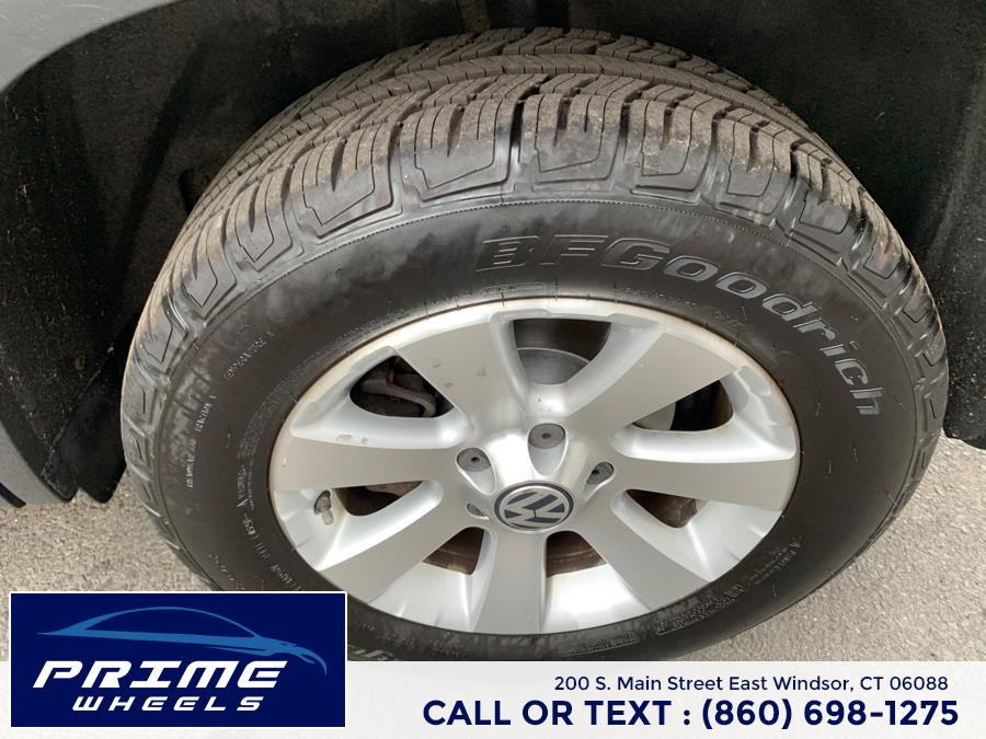 Used Volkswagen Tiguan FWD 4dr Auto S 2010   Prime Wheels. East Windsor, Connecticut