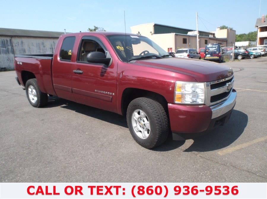 "Used Chevrolet Silverado 1500 4WD Ext Cab 143.5"" LT w/1LT 2008 | Lee Motors Sales Inc. Hartford, Connecticut"