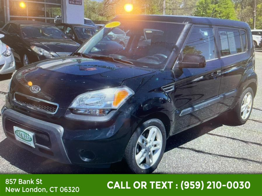 Used Kia Soul 5dr Wgn Man + 2011   McAvoy Inc dba Town Hill Auto. New London, Connecticut