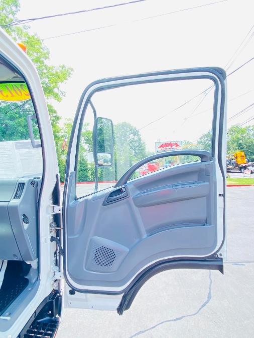 Used Isuzu NPR GAS REG 20 FEET DRY BOX + NO CDL 2013   NJ Truck Spot. South Amboy, New Jersey