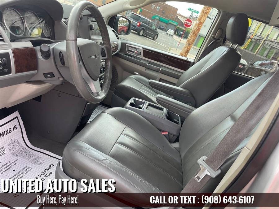 Used Chrysler Town And Countr TOURING 2010 | United Auto Sale. Newark, New Jersey