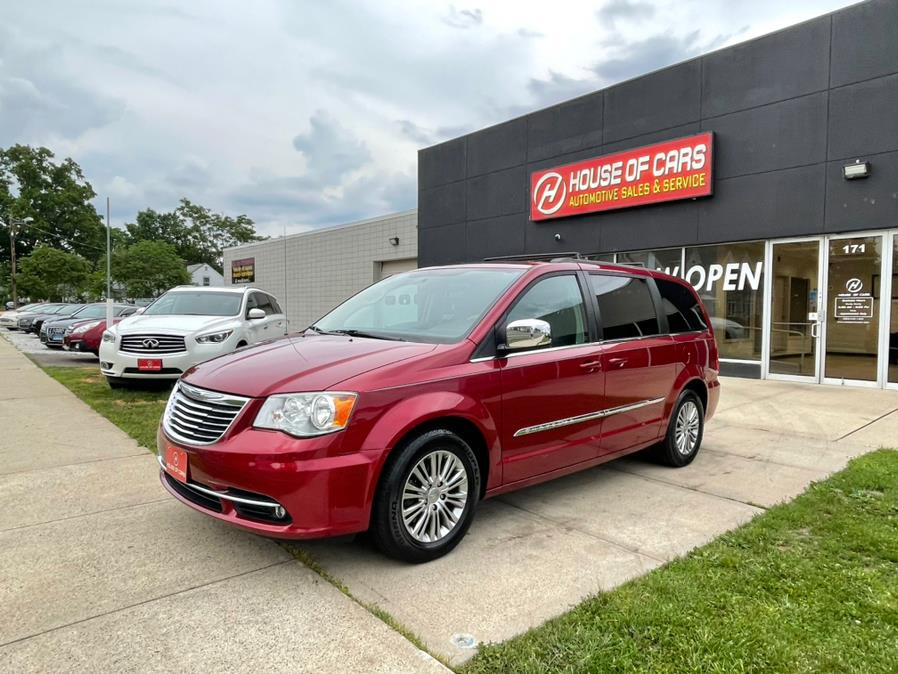 Used Chrysler Town & Country 4dr Wgn Touring-L 2013 | House of Cars CT. Meriden, Connecticut