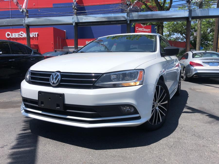 Used 2016 Volkswagen Jetta Sedan in Bronx, New York | Champion Auto Sales. Bronx, New York
