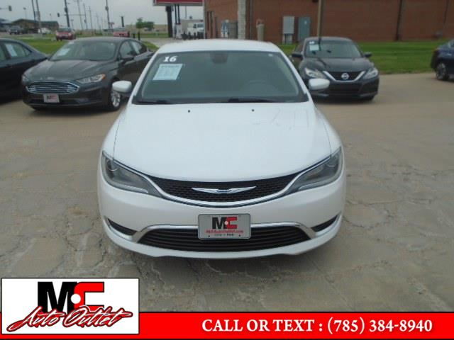 Used Chrysler 200 4dr Sdn Limited FWD 2016   M C Auto Outlet Inc. Colby, Kansas
