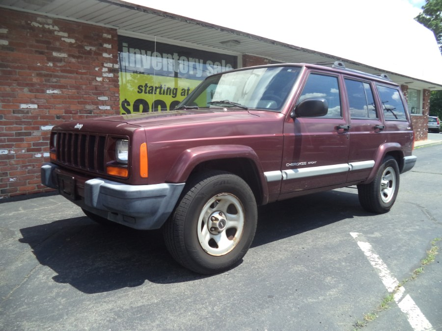 Used 2001 Jeep Cherokee in Naugatuck, Connecticut | Riverside Motorcars, LLC. Naugatuck, Connecticut