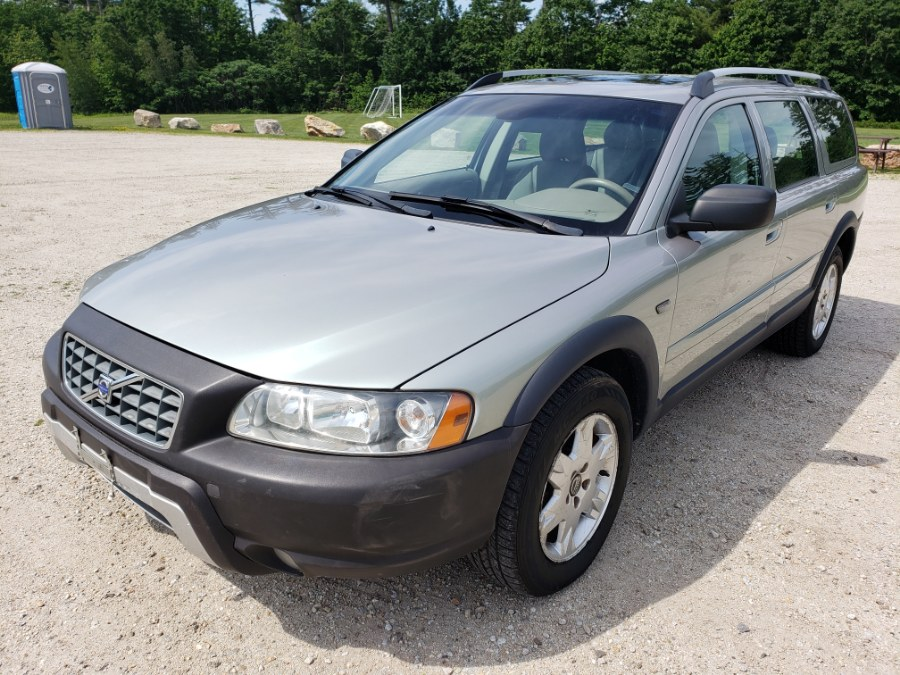 2005 Volvo XC70 2.5L Turbo AWD w/Sunroof, available for sale in Auburn, NH