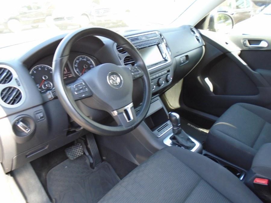 Used Volkswagen Tiguan 4MOTION 4dr Auto SEL 2015 | Jim Juliani Motors. Waterbury, Connecticut