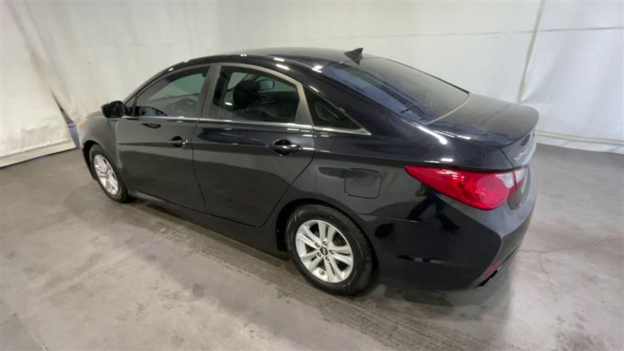 Used 2014 Hyundai Sonata in Corona, New York | Raymonds Cars Inc. Corona, New York