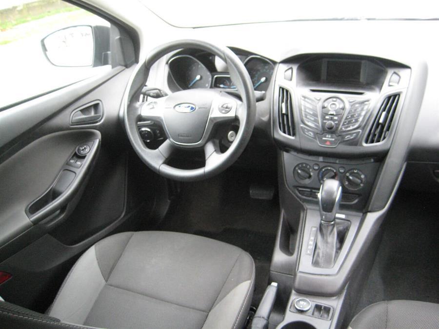 Used Ford Focus S 4dr Sedan 2014   Rite Choice Auto Inc.. Massapequa, New York