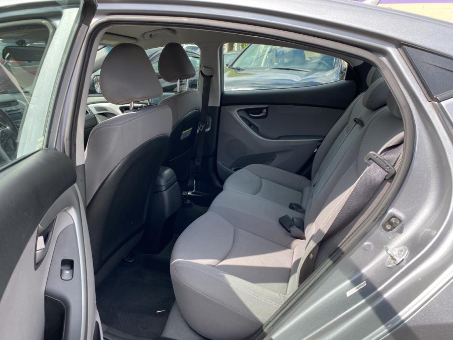 Used Hyundai Elantra 4dr Sdn Auto SE (Ulsan Plant) 2014 | Auto Store. West Hartford, Connecticut