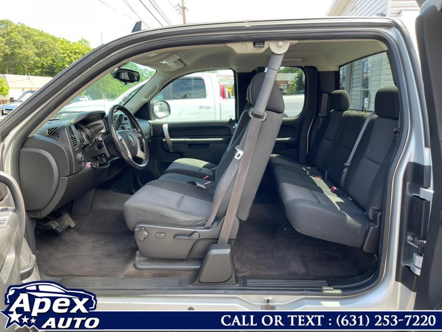 "Used Chevrolet Silverado 1500 4WD Ext Cab 143.5"" LT 2013   Apex Auto. Selden, New York"