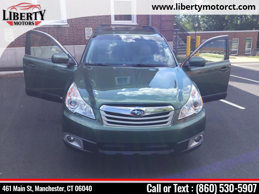 Used Subaru Outback 4dr Wgn H4 Auto 2.5i Prem All-Weathr/Pwr Moon PZEV 2010   Liberty Motors. Manchester, Connecticut