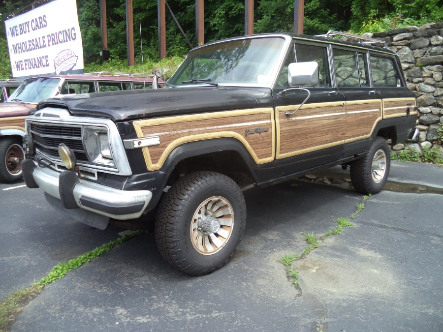 Used 1991 Jeep Grand Wagoneer in Naugatuck, Connecticut | Riverside Motorcars, LLC. Naugatuck, Connecticut