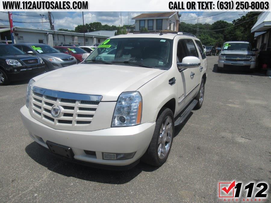 Used Cadillac Escalade AWD 4dr Luxury 2010 | 112 Auto Sales. Patchogue, New York