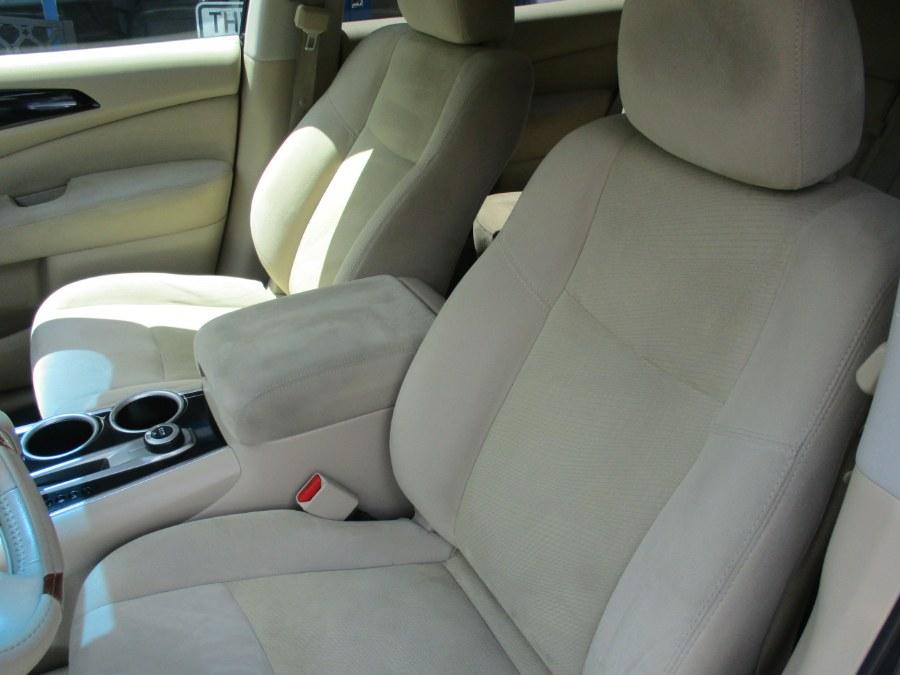 Used Nissan Pathfinder SV Hybrid 4x4 2014 | Cos Central Auto. Meriden, Connecticut