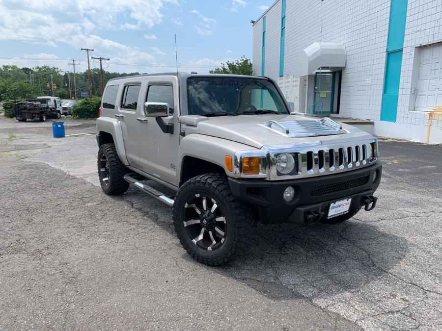 Used HUMMER H3 4dr 4WD SUV 2006 | Dealertown Auto Wholesalers. Milford, Connecticut