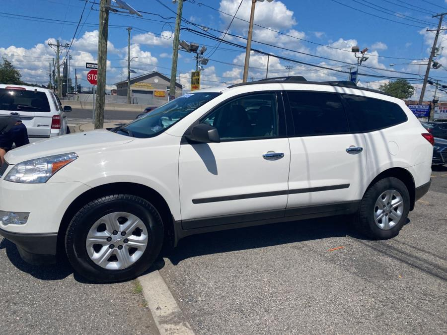 Used Chevrolet Traverse FWD 4dr LS 2012 | Route 46 Auto Sales Inc. Lodi, New Jersey