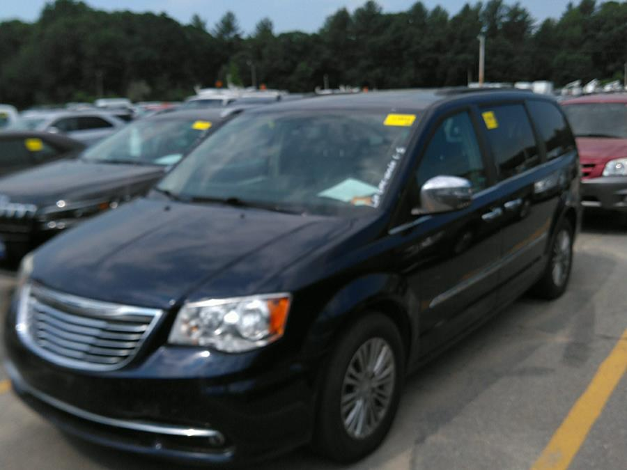 Used 2013 Chrysler Town & Country in Brooklyn, New York | Atlantic Used Car Sales. Brooklyn, New York