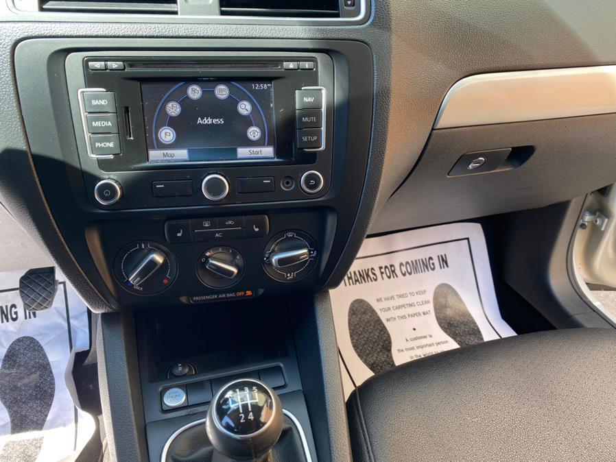 Used Volkswagen Jetta Sedan 4dr Manual SEL w/Sport Pkg PZEV 2011 | Wonderland Auto. Revere, Massachusetts