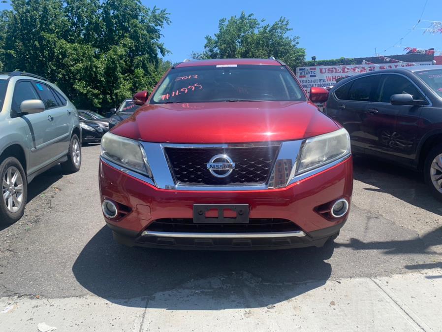 Used 2013 Nissan Pathfinder in Brooklyn, New York | Atlantic Used Car Sales. Brooklyn, New York