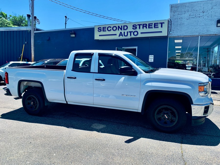 Used 2015 GMC Sierra 1500 in Manchester, New Hampshire | Second Street Auto Sales Inc. Manchester, New Hampshire