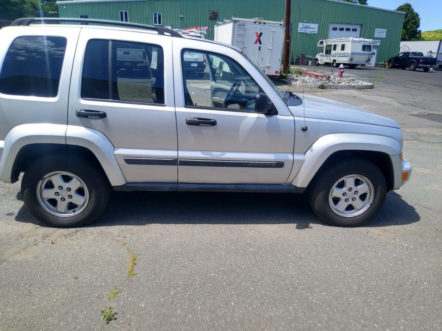 Used Jeep Liberty 4WD 4dr Sport 2007 | Payless Auto Sale. South Hadley, Massachusetts