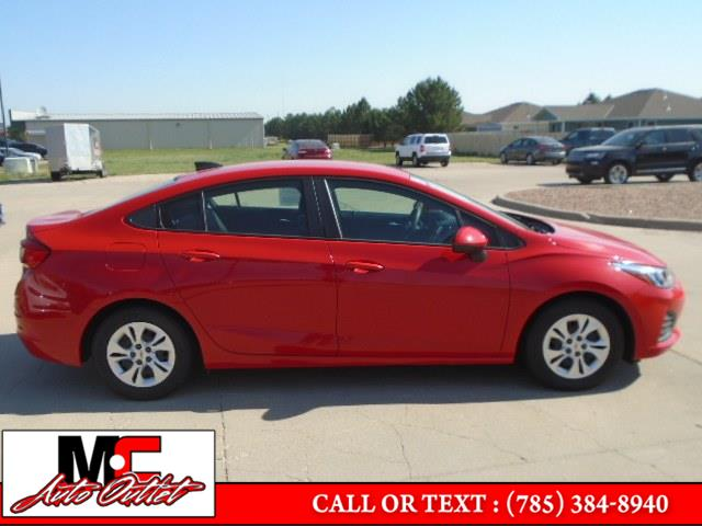 Used Chevrolet Cruze 4dr Sdn CVT 2019 | M C Auto Outlet Inc. Colby, Kansas