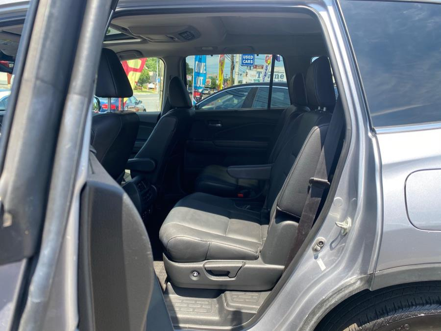 Used Honda Pilot AWD 4dr Elite w/RES & Navi 2016 | Champion Used Auto Sales. Linden, New Jersey