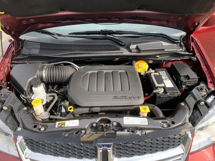 Used Dodge Grand Caravan SXT Wagon 2019 | Auto Haus of Irvington Corp. Irvington , New Jersey