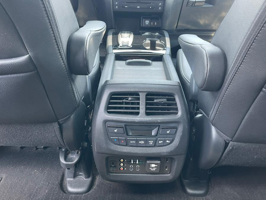 Used Honda Pilot AWD 4dr Elite w/RES & Navi 2016   Champion Auto Sales. Linden, New Jersey