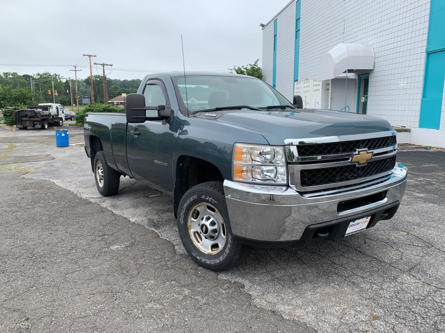 "Used Chevrolet Silverado 2500HD 4WD Reg Cab 133.7"" Work Truck 2011 | Dealertown Auto Wholesalers. Milford, Connecticut"