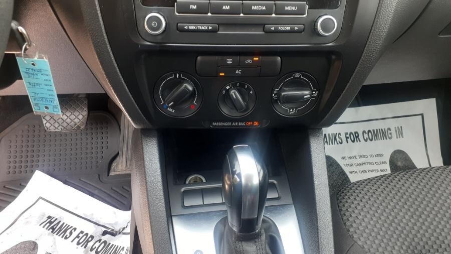 Used Volkswagen Jetta Sedan 4dr Auto Base 2012   Wonderland Auto. Revere, Massachusetts