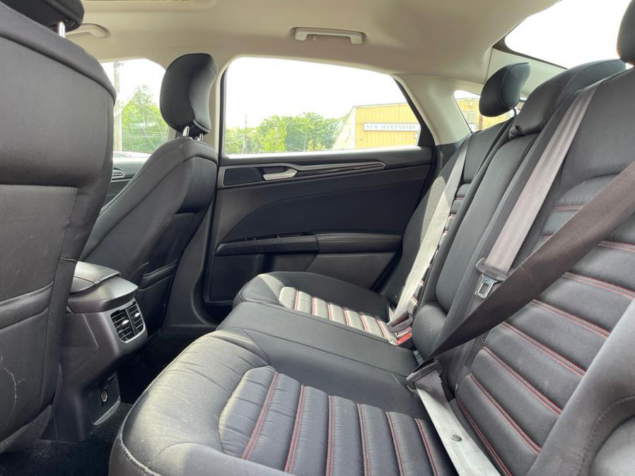 Used Ford Fusion 4dr Sdn SE FWD 2016 | Merrimack Autosport. Merrimack, New Hampshire