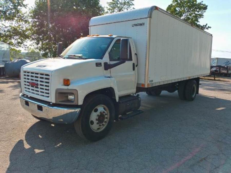 Used 2007 GMC TC7500 in Chicopee, Massachusetts | Matts Auto Mall LLC. Chicopee, Massachusetts
