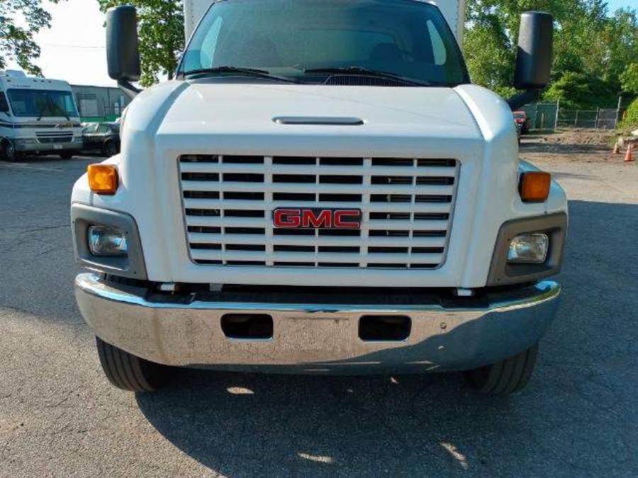Used GMC TC7500 Regular Cab 2007 | Matts Auto Mall LLC. Chicopee, Massachusetts