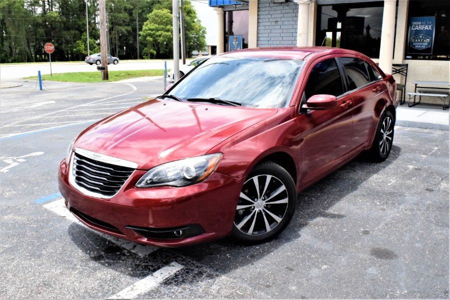Used Chrysler 200 4dr Sdn Limited 2013 | Rahib Motors. Winter Park, Florida