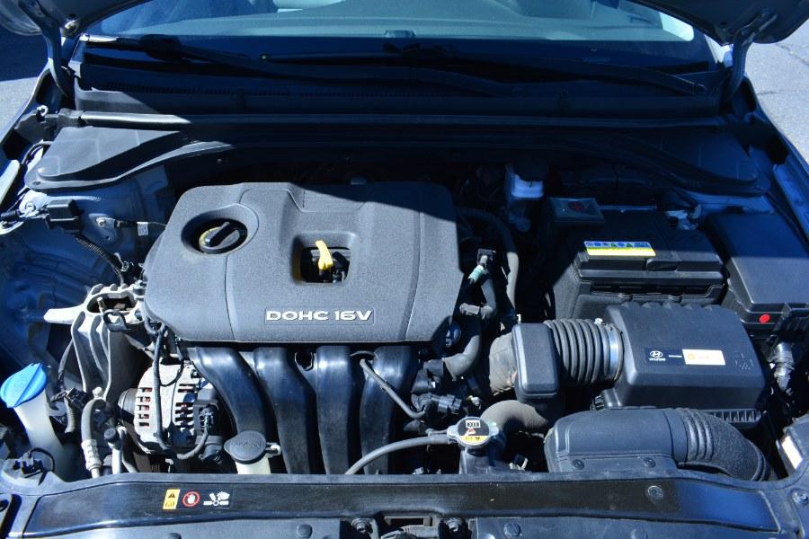 Used Hyundai Elantra SE 2.0L Auto (Alabama) *Ltd Avail* 2017   Longmeadow Motor Cars. ENFIELD, Connecticut