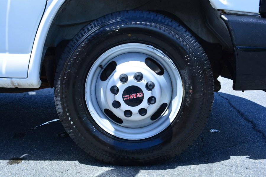 "Used GMC Savana Commercial Cutaway 3500 Van 139"" 2013   Longmeadow Motor Cars. ENFIELD, Connecticut"