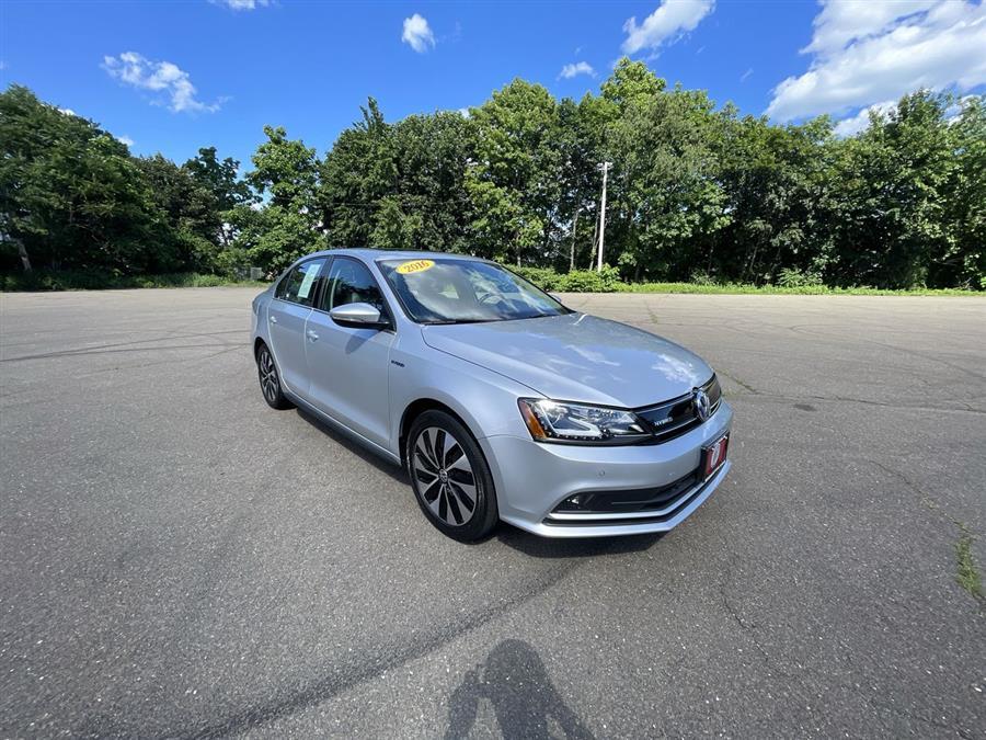 Used 2016 Volkswagen Jetta Sedan in Stratford, Connecticut | Wiz Leasing Inc. Stratford, Connecticut