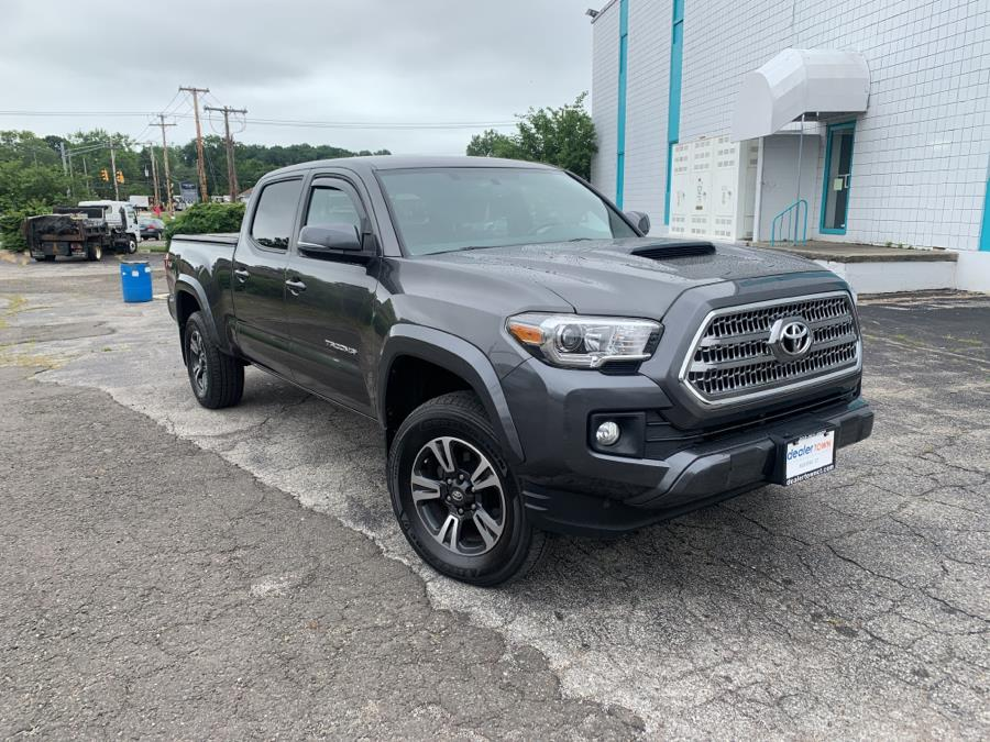 Used Toyota Tacoma SR5 Double Cab 6'' Bed V6 4x4 AT (Natl) 2017   Dealertown Auto Wholesalers. Milford, Connecticut